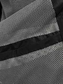 Пролетно шушляково яке с олекотен дизайн и качулка - черно
