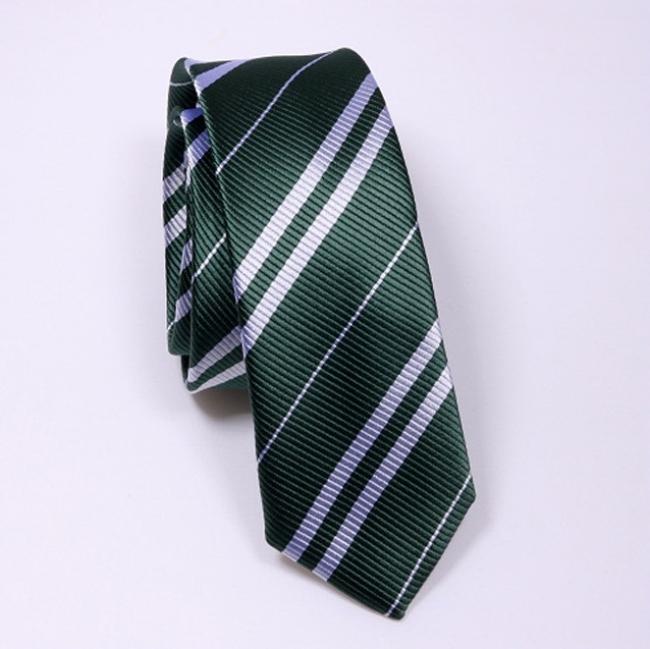 Зелена вратовръзка с бяло