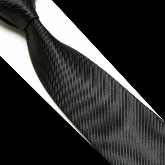 Черна класическа вратовръзка