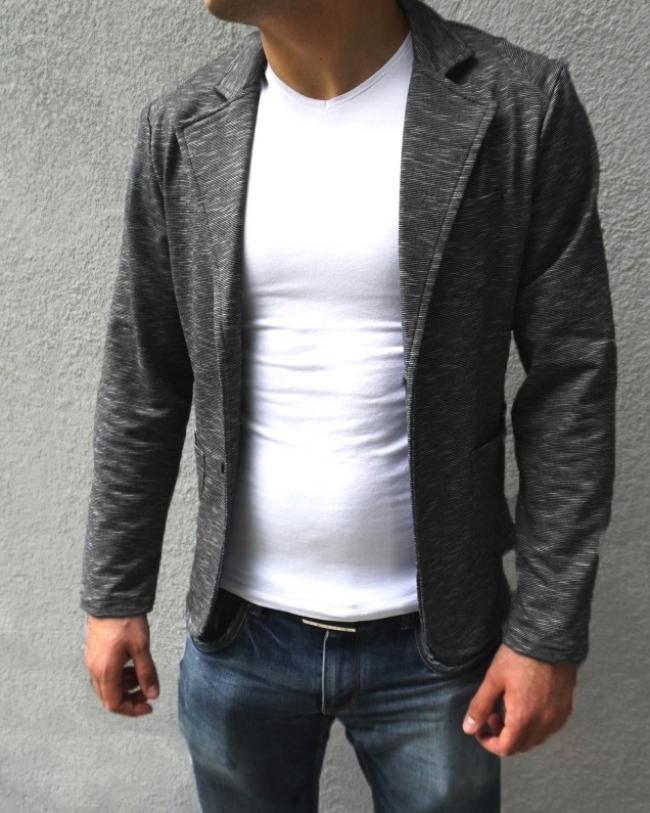 Нов модел спортно-елегантно сако на фино райе - Черно