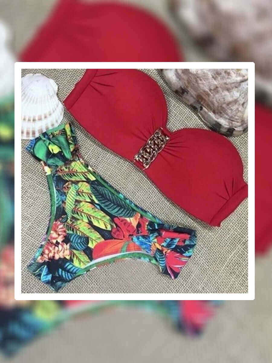 Бански костюм с червено горинще и шарен десен