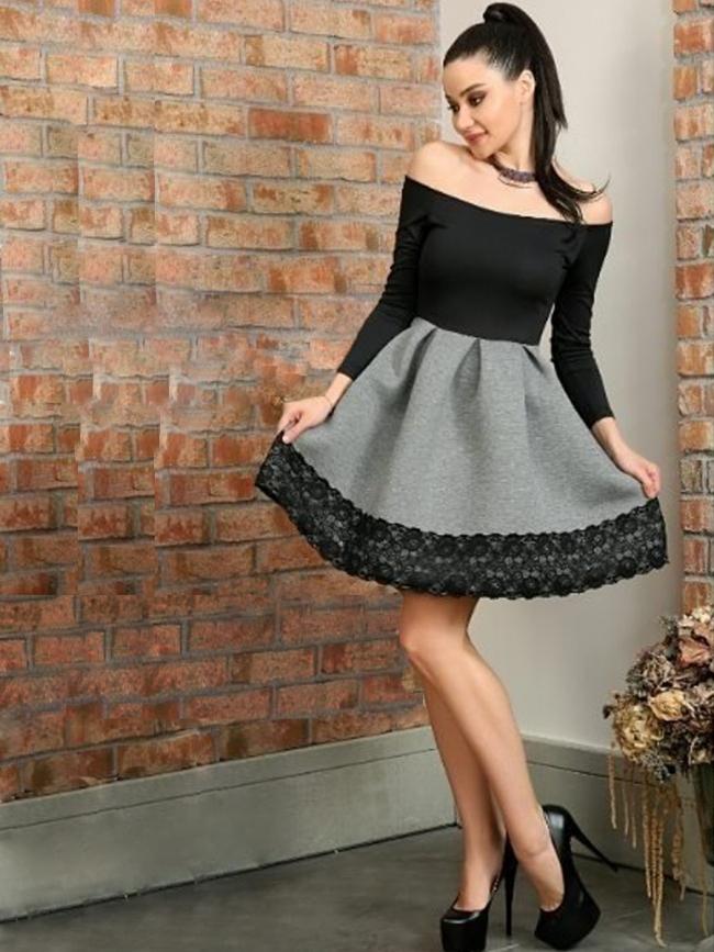 Издължена рокля в черно и сиво с дантела