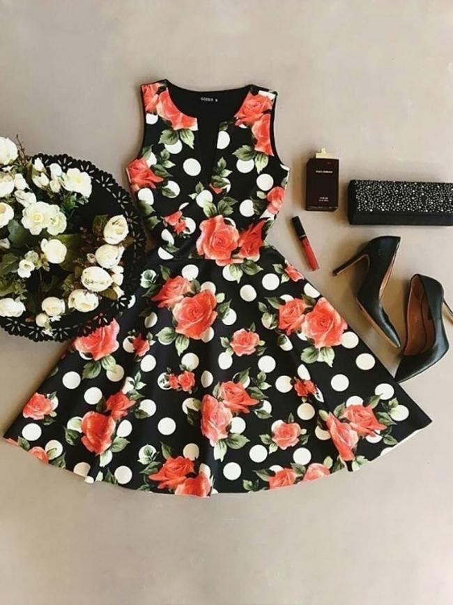 Дамска рокля цветни мотиви модел 2018г
