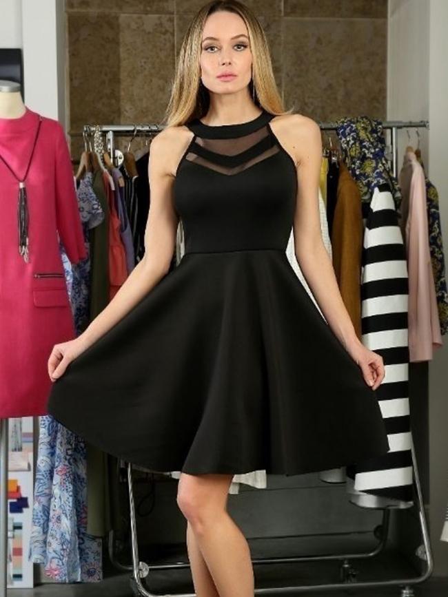 Къс модел в черно парти рокля