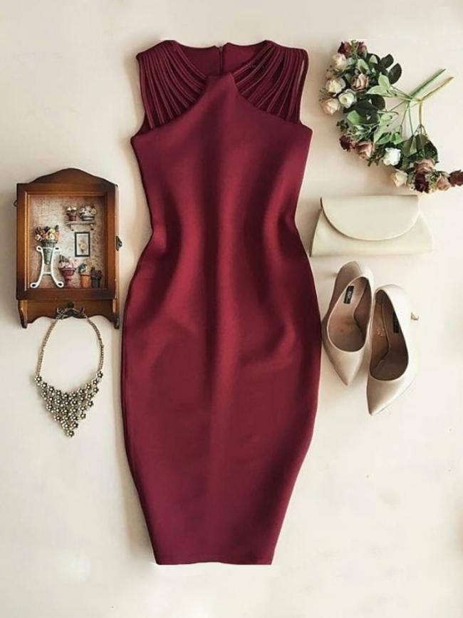 Ежедневна дамска рокля в бордо
