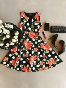 Дамска рокля цветни мотиви модел 2017г